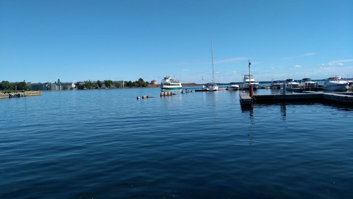 Kingston, Kaffeepause an der Mündung des Sankt-Lorenz in den Ontario See