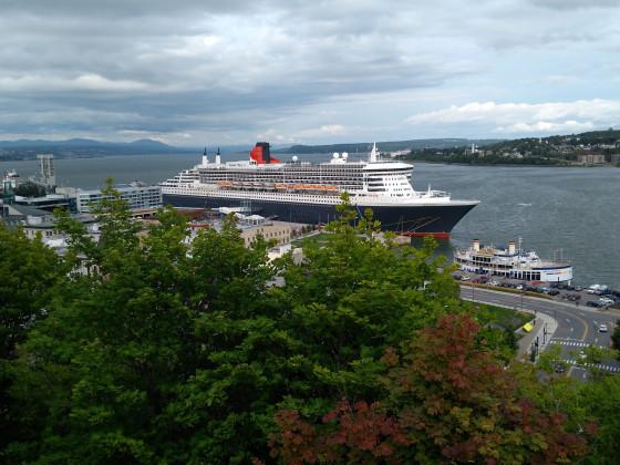 Nochmal Quebec-City-Hafen-Sankt-Lorenz-Strom aber mit der Queen Mary 2